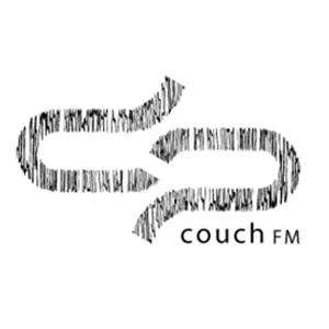 Weiß schwarzes Logo der Couch FM