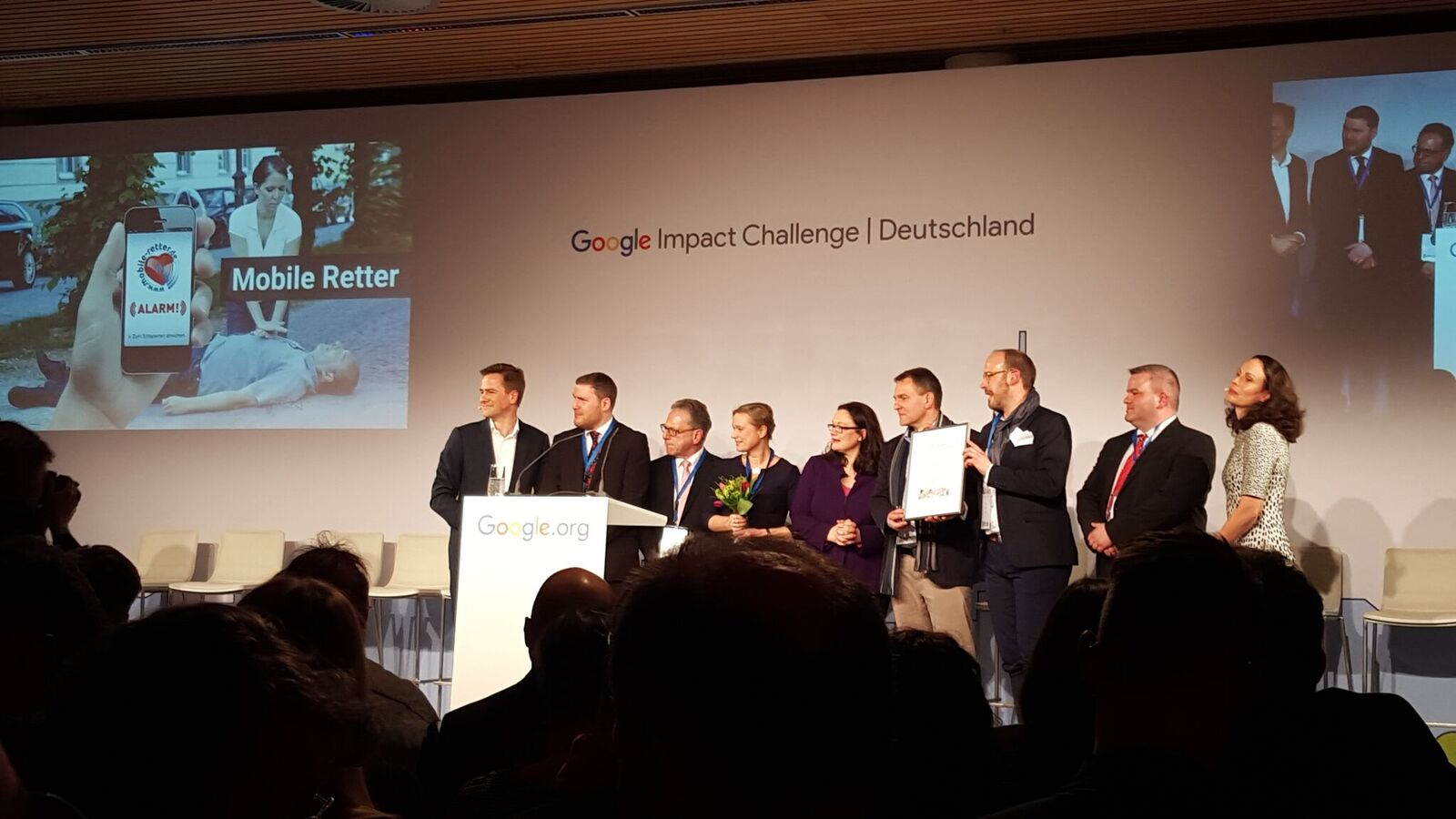 Indiwi Berlin bei der Google Impact Challenge Verlosung im Café Moskau.