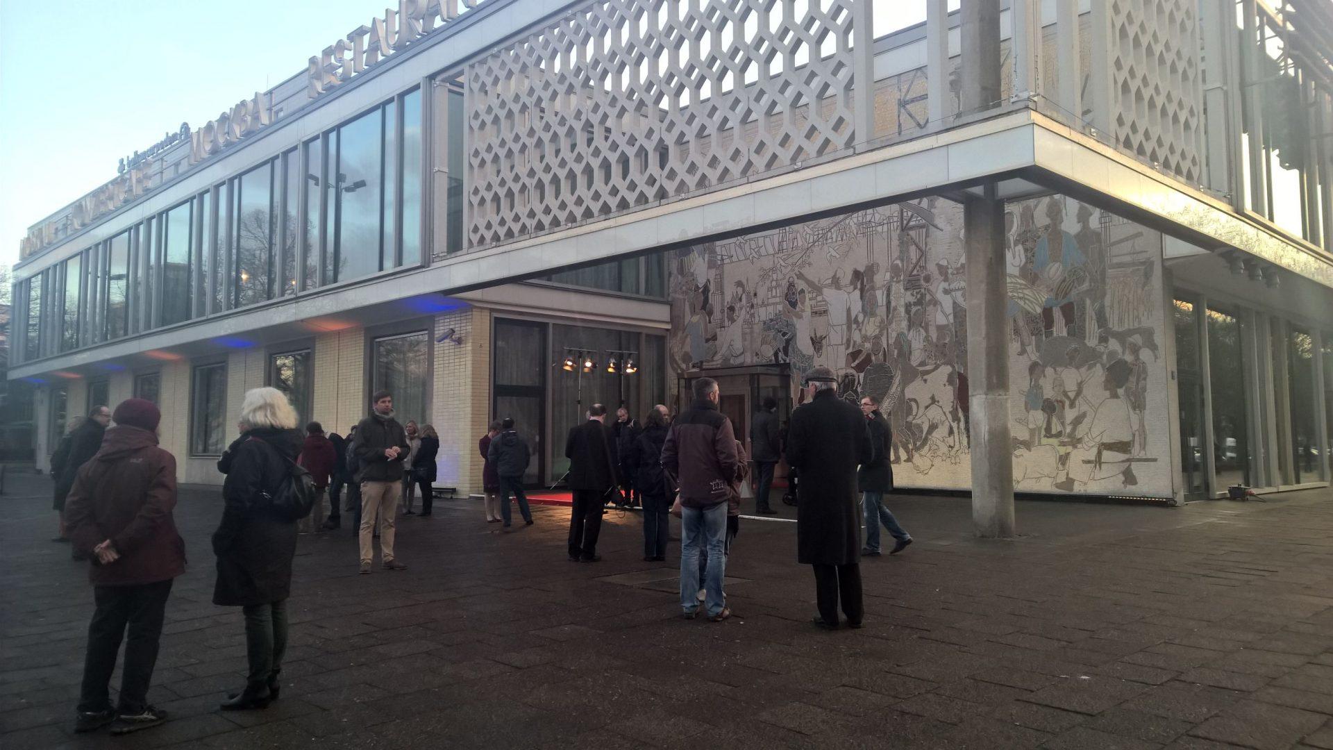 Indiwi bei der Google Impact Challenge Verlosung 2016 im Café Moskau Berlin.